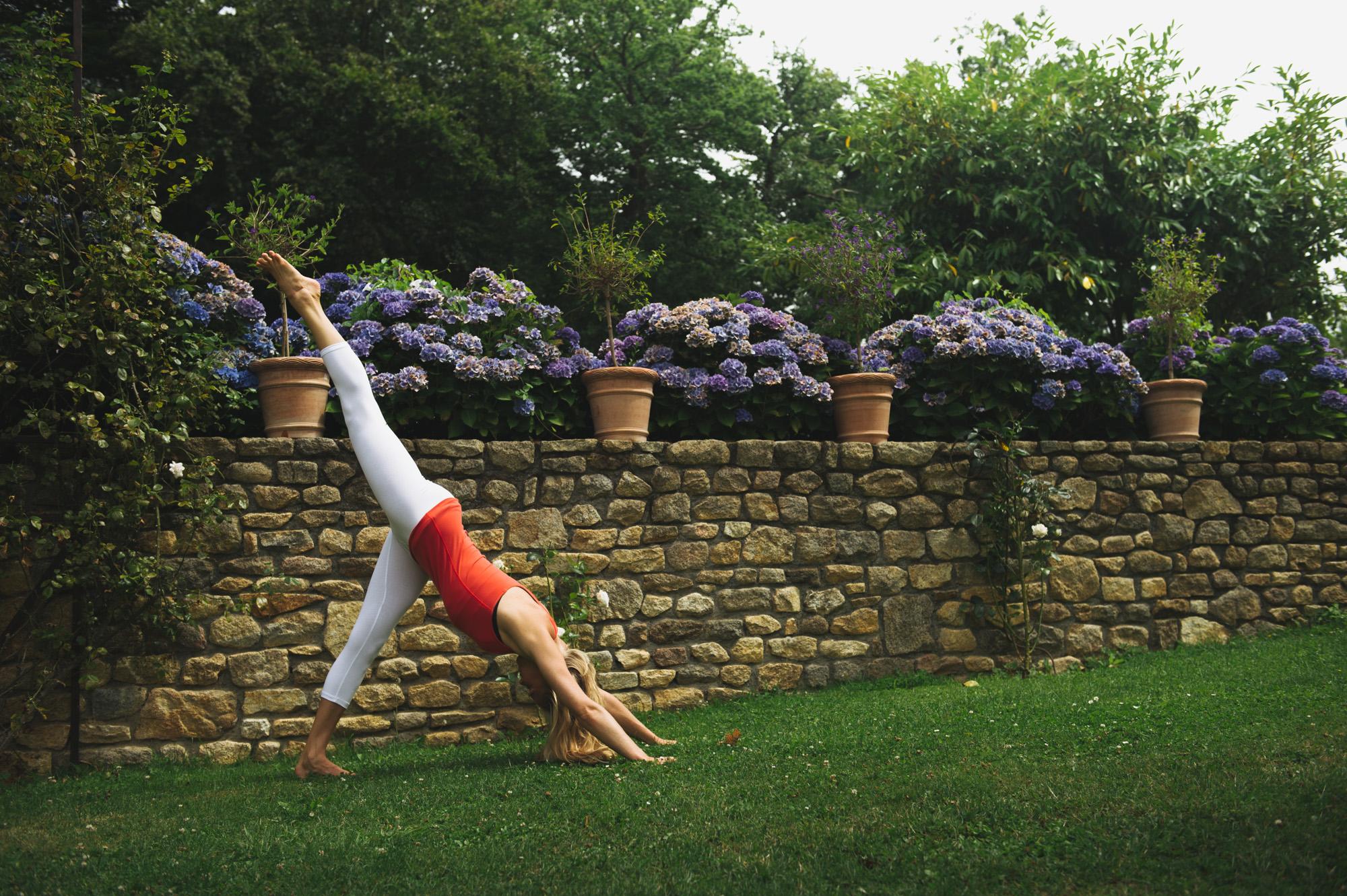 Vi är redan på dag 5 i vår 14 dagars utmaning i att Yoga 200a72d034c46